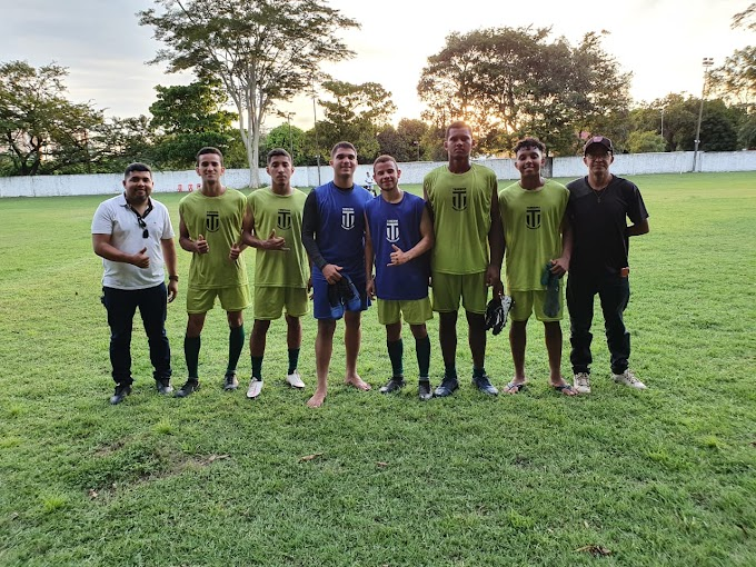 Matões: Vereador Hagamenon Macêda incentiva atletas do futebol em teste no Piauí