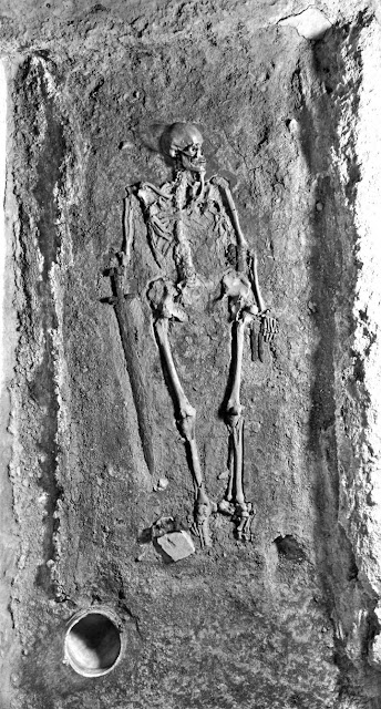 New light on contested identity of medieval skeleton found at Prague Castle