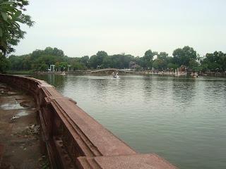 Parque Thu Le de Hanoi