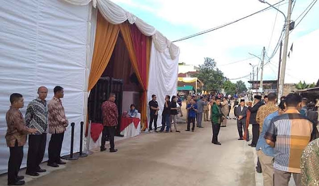 Lokasi pemberian marga Kahiyang Ayu di Jalan Suka Tangkas No. 17, Kelurahan Suka Maju, Kecamatan Medan Johor, Selasa (21/11/2017) Pagi