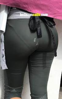Mujeres lindas leggins calzon marcado