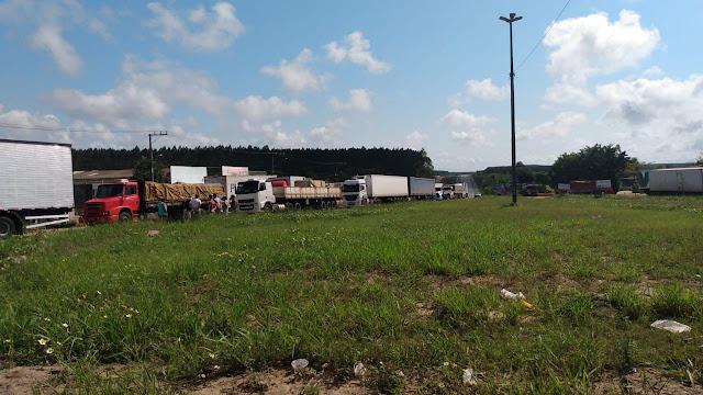 Caminhoneiros: Polícia libera fluxo em rodovias estaduais na tarde desta quinta-feira(09)