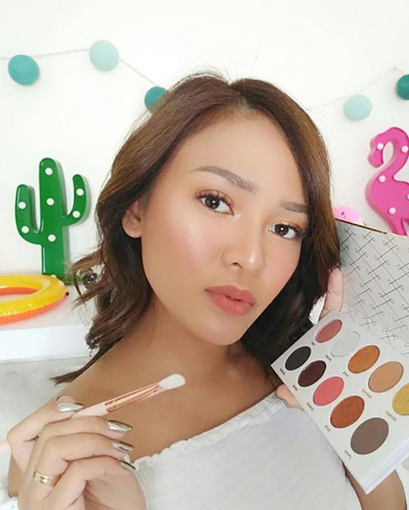 cewek manis Beauty Vlogger Indonesia Rachel Goddard