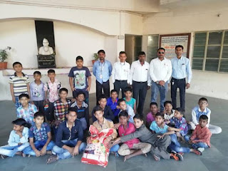 Fullerton India donate rice and wheat in Ek Mutthi campaign