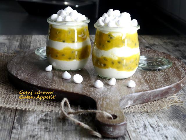 Deser jogurtowy z marakują i mango - fit - Czytaj więcej »