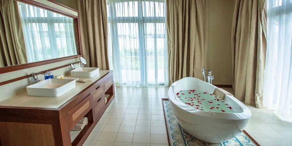 Phòng tắm trong biệt thự