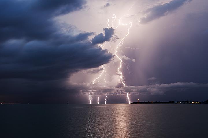 Lightning | Community Cloud Atlas |Cumulus Clouds Lightning