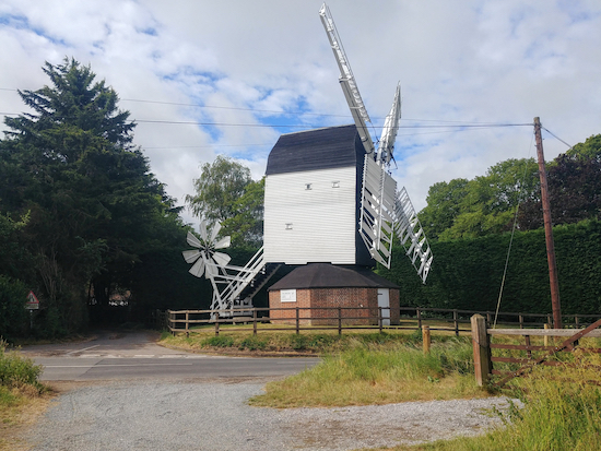 Cromer windmill at point 5 along the route. Image by Hertfordshire Walker released via Creative Commons BY-NC-SA 4.0