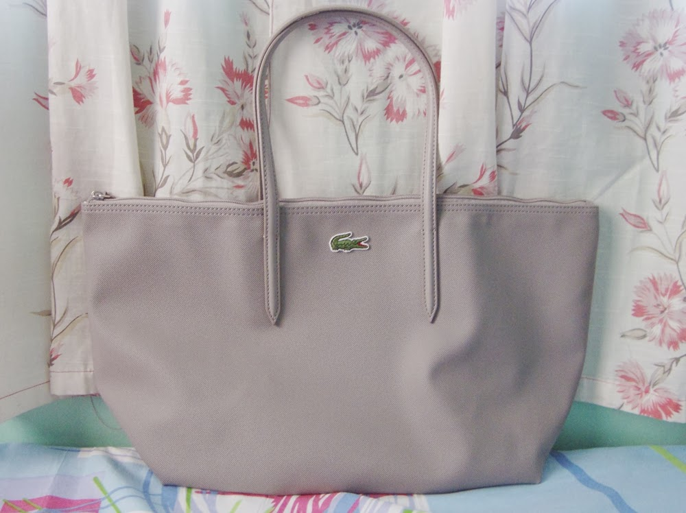 f7aa28a1be1 diane wants to write : Lacoste Concept Shopping Bag Review : An ...
