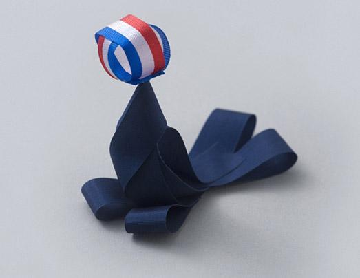 seal balancing ball bow