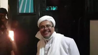 Habib Rizieq Senyum Semringah Usai Divonis 8 Bulan, Langsung Ngomong Begini
