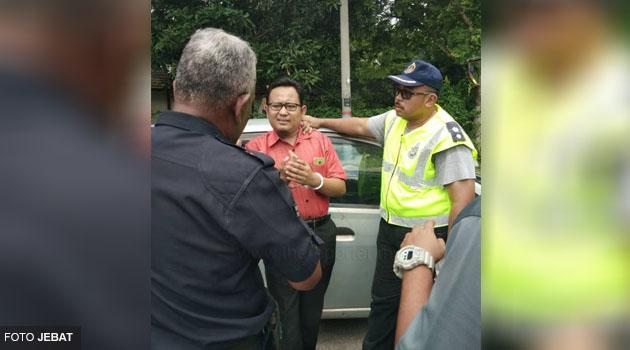 'Inilah p*****k, anjing & balaca kerajaan yang roboh gerai orang Melayu' - katanya sebelum menangis digari polis kerana sebar fitnah