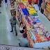 Mulher se recusa a usar máscara em supermercado e morde policiais