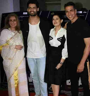 Akshay Kumar With Her Wife, Mother-In-Law And Brother-In-Law