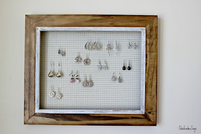 Do it yourself picture frame earring display habits of a modern usually this leads to us wearing the same set of jewelry day after day because we can be bothered to sift through a pile of goodies solutioingenieria