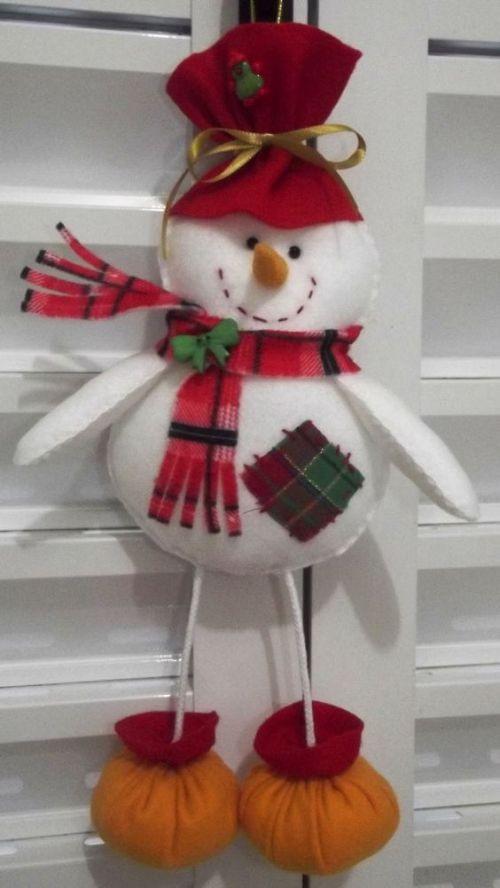 Lindo adorno navideño en fieltro para la ventana