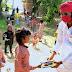 समाजवादी कुटिया में बच्चों को दूध के साथ अब दिये जा रहे किताब-कापी