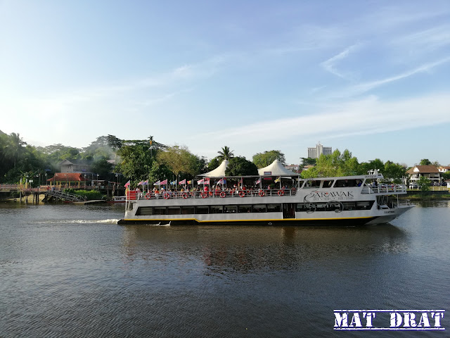 Signature Sunset Cruise - Sarawak River Cruise
