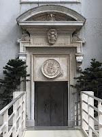 La Porta Santa aperta presso il Santuario della Santa Casa di Loreto per il Giubileo