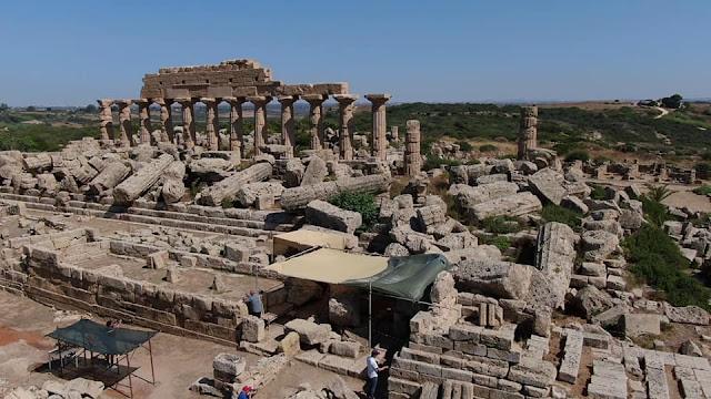 Monumental stone platform found in Selinunte