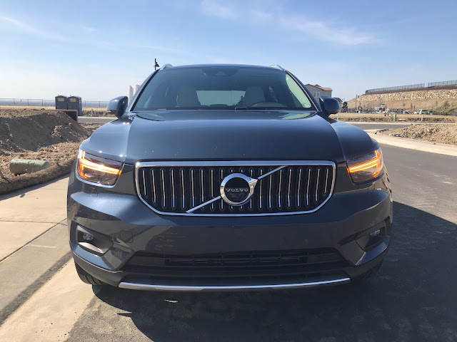 Front view of 2020 Volvo XC40 T5 AWD Inscription