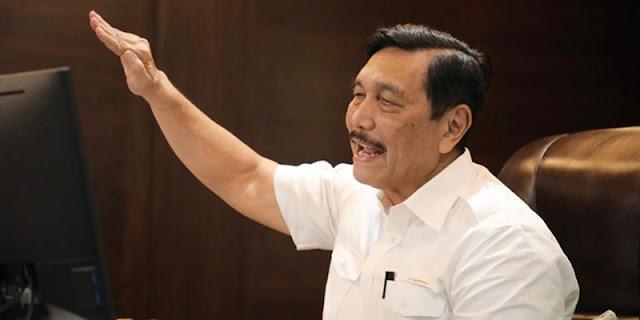 Iwan Sumule: Oligarki adalah Pembunuh Demokrasi, tapi Luhut Malah Jadi Oligarki Baru