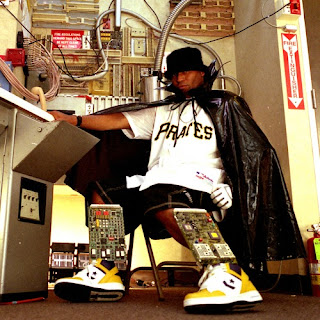 http://adf.ly/8579083/www.freestyles.ch/mp3/mixes/DjMJ-Kool_Keith-Number_One_Mix.mp3