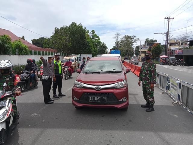 Kodim 0207/Simalungun Melalui Koramil 09/Tiga Balata Laksanakan Ops PPKM Level lV Diwilayah Siantar
