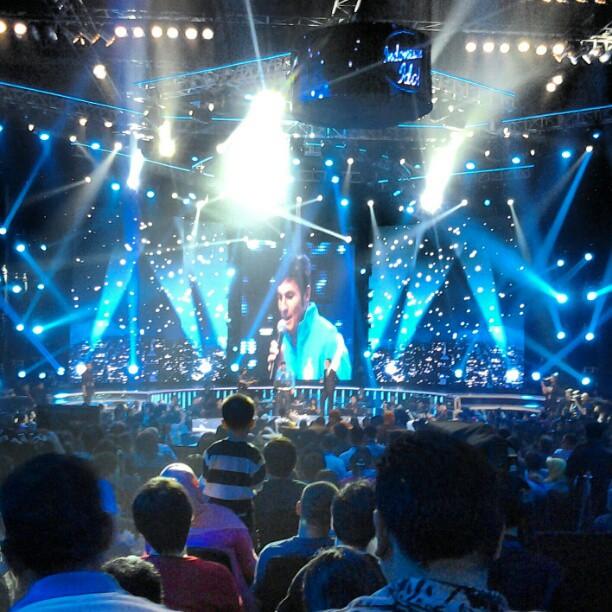 Maya Ra Maya Tui Oporadhi Mp3 Song: Foto-foto Javier Zanetti Nyanyi Di Indonesian Idol 2012