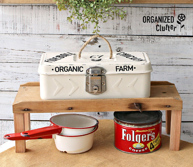 Thrift Shop Vintage Toolbox Gets A Farmhouse Makeover #dixiebellepaint #primamarketing #redesigntransfers #farmhousestyle #toolboxupcycle #upycle #repurpose