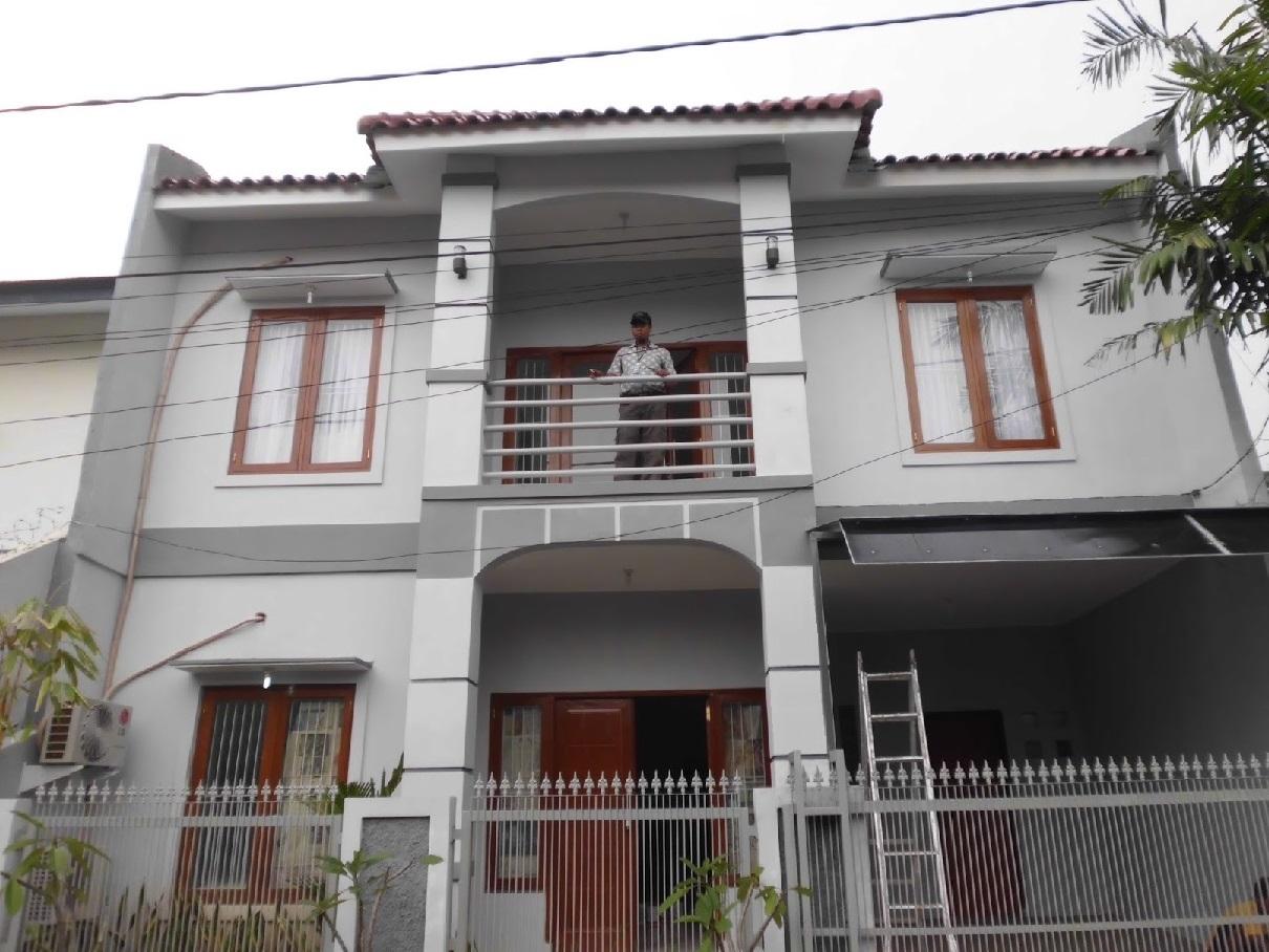 Hasil proyek Renovasi total dan pengembangan rumah 1 lantai menjadi 2 lantai milik Bpk Agung di perumahan Bojong depok Baru, Karadenan, Cibinong, Bogor tahun 2010
