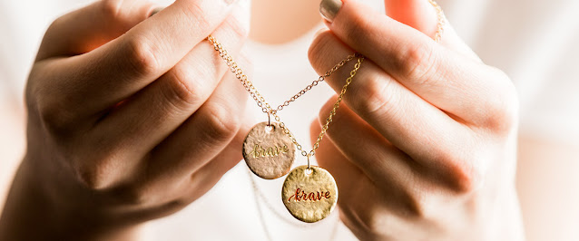 The Quiet Power of a Friendship Necklace
