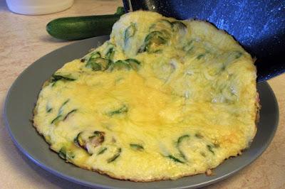 Omlet s tikvicama i mozzarellom / Zucchini omelette with mozzarella