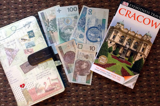 gift ideas for travelers, best christmas gift for a travelers, best christmas gift for travelers, christmas gift for a traveler, christmas gift for frequent traveller, christmas gift for someone who likes to travel, christmas gift for someone who travels a lot, christmas gift for travel, christmas gift for travel lover, christmas gift for traveling dad, christmas gift for world traveler, christmas gift guide travellers, christmas gift ideas for a traveler, christmas gift ideas for someone who likes to travel, christmas gift ideas for someone who loves to travel, christmas gift ideas while traveling, christmas gift travel backpack, christmas gift travel bag, christmas gift travel destinations, christmas gift travel gifts, christmas gift travel ideas, christmas gift travel uk, christmas gift travel usa, christmas gift travel voucher, christmas gifts for travel enthusiasts, gift of travel for christmas, give the gift of travel for christmas, travel christmas gift ideas, christmas gift backpacker guide, christmas gifts for backpackers, christmas present for backpacker, memory cards for travel, hard drives for traveling, hard drives for travelling, hard drives for travellers, hard drives for travelers, best backpacks for travellers, best backpacks for travellers, best cameras for travel, Sony a6000, Sony a6500, Sony a7r, Sony a7ii, sony a7iii, sony rx100, go pro, go pro fusion, scratch map, kindle, iPad, far point 70, Swiss army knife, dry sack, cheap gift ideas, cheap present ideas, cheap gift ideas for travellers, cheap gift ideas for travelers, cheap present ideas for backpackers, budget gift ideas, guide books as gifts, gift of travel for Christmas. Gifts for the Traveller that they will love, unique gifts, practical gifts, traveler, travel, backpacking, Christmas, Birthday, Eid, Hanukah, Scratch map, pins, inspiration, Compact Camera, Sony RX-100, Go Pro Hero 4, Silver, photography, Battery Pack, Guidebooks, Lonely planet, Artwork, Dry Sack, best backpacks for trave