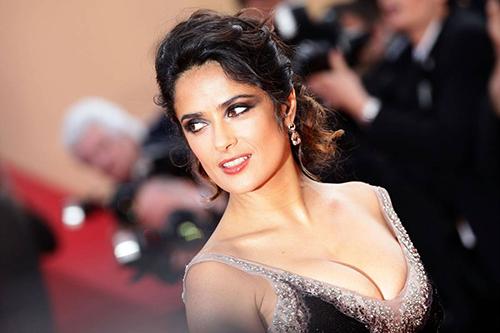 salma hayek Artis Wanita Paling Hot Dan Seksi Di Dunia 2015 nomor 10