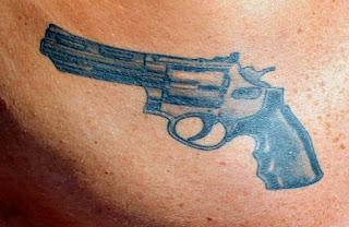 Estudo mostra as tatuagens que estão ligadas ao mundo do crime