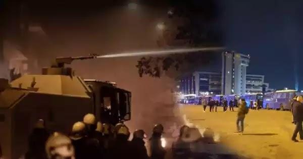 Βίντεο: Άνδρας πυροβολεί έξω από το στρατόπεδο που βρίσκονταν τα ΜΑΤ στη Μυτιλήνη