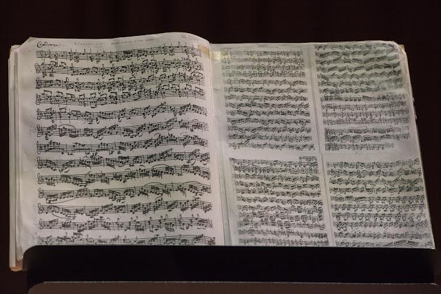 Bach: Ciaccona from Partita No. 2 - Rachel Podger - Kings Place (Photo  Monika S Jakubowska/Kings Place)