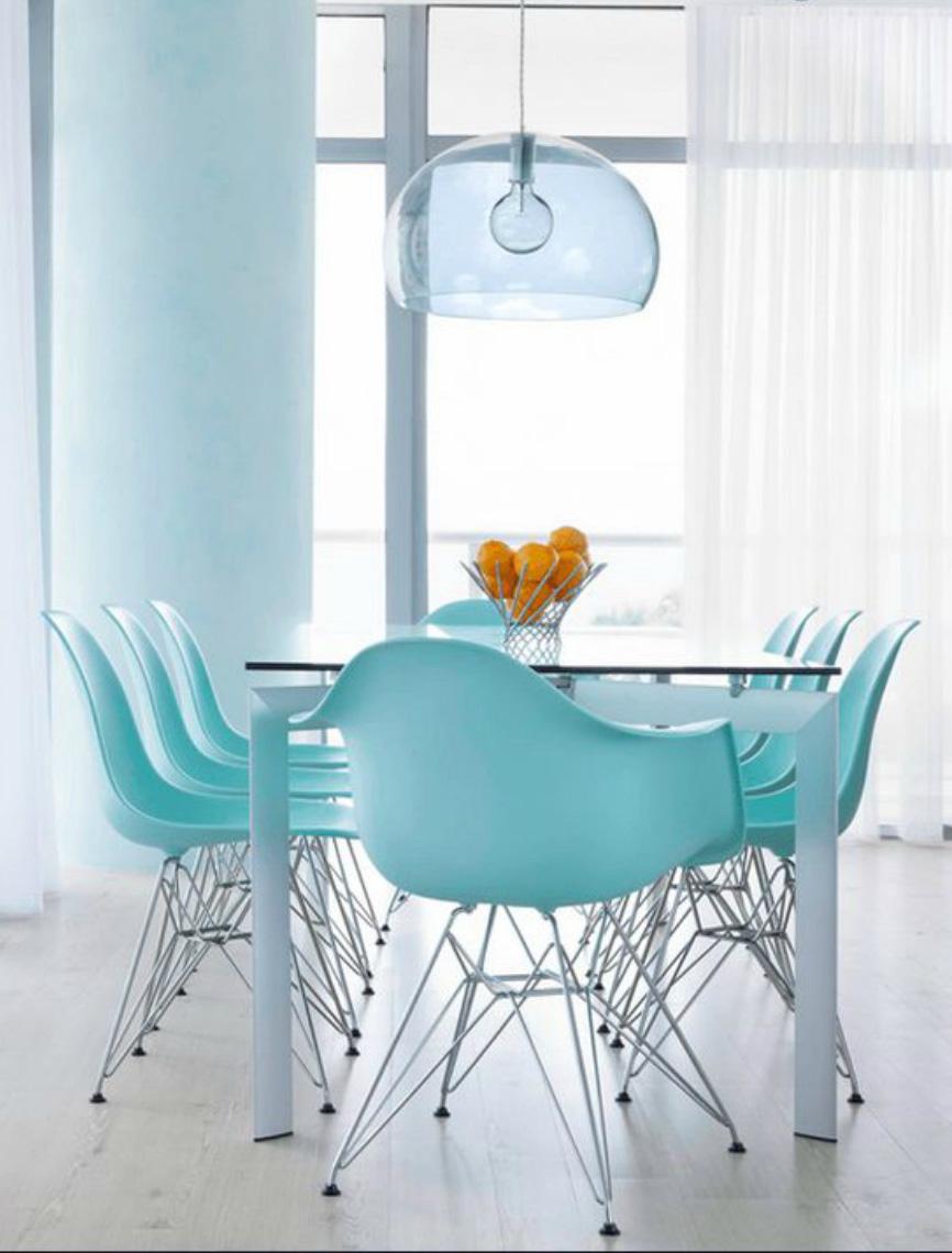 Tendenze arredo arredare con l'Island Paradise Pantone sedie design