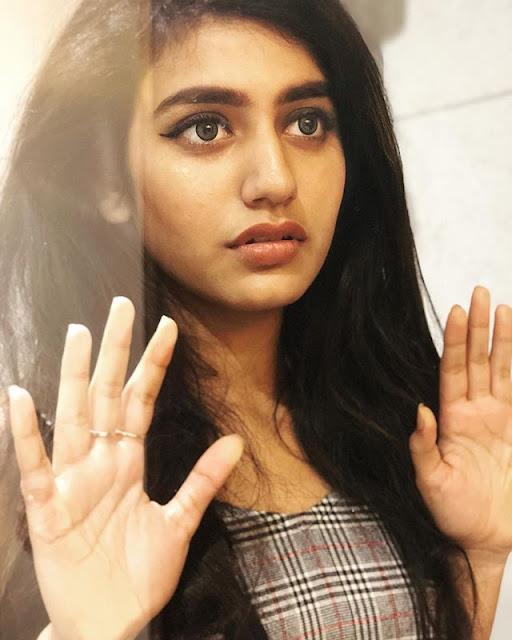 Priya Varrier Images