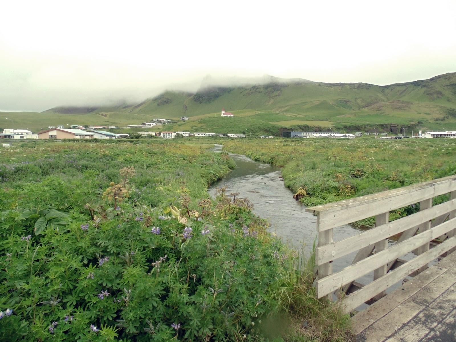 miasteczko Vik, Vik i Myrdal, islandzkie miasteczko, Islandia, południowa Islandia, Brzydka Islandia