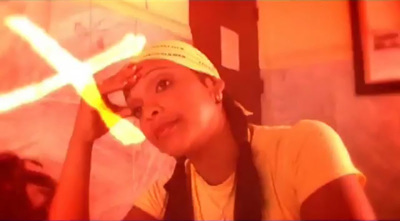 Pachito Alonso y sus Kini Kini - ¨La cara bonita¨ - Videoclip - Dirección: Rudy Mora - Orlando Cruzata. Portal Del Vídeo Clip Cubano - 09