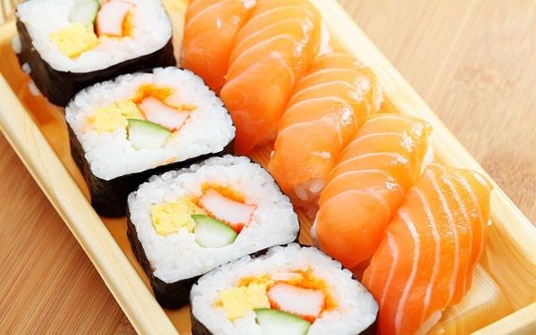 Sushi e Sashimi (Imagem: Reprodução/Mayara Vale)