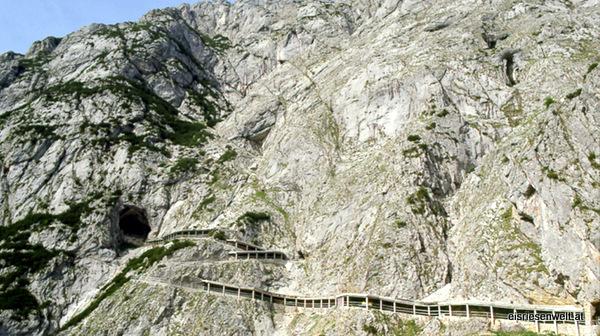 Subida hasta la entrada de Eisriesenwelt (Werfen, Austria)