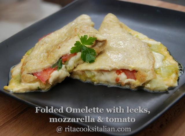 omelettes ai porri, mozzarella e prosciutto
