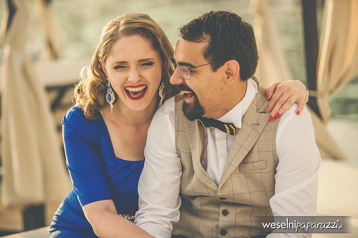 Kobaltowa suknia Pin Up na wesele