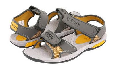 2f5eda76d0c3c0 Чоловічі сандалі класика. Класичні чоловічі сандалії можуть бути самими  різними - з тонкою легкою шкіряною підошвою, або з гумової, або з  поліуретанової, ...