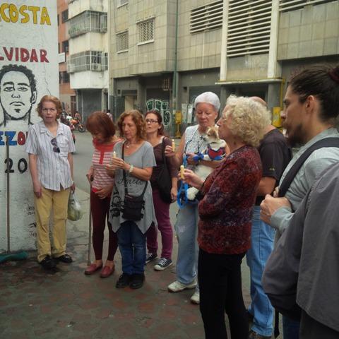 Responsabilizan a colectivos, PNB y GNB de arremeter juntos contra protestas en Libertador