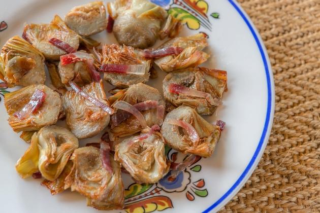 Alcachofas crujientes con jamón ibérico