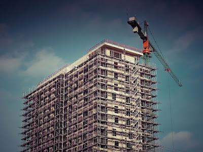 gru-cantiere-edilizia-tipologie di gru
